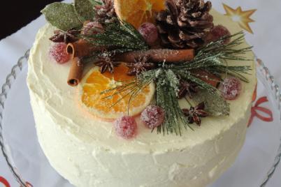 Mrkvová torta vo vianočnom šate - recept
