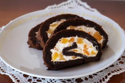 Kakaovo - broskyňová roláda bez múky - recept