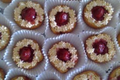 Jahodové minitortičky - recept