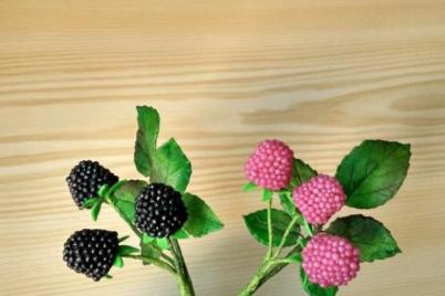 vetvičky -  černice a maliny z cukríkov - foto postup