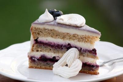 Čučoriedková drip torta - recept