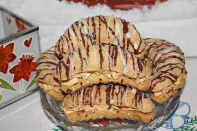 Orechové rožky s karamelovým krémom - recept