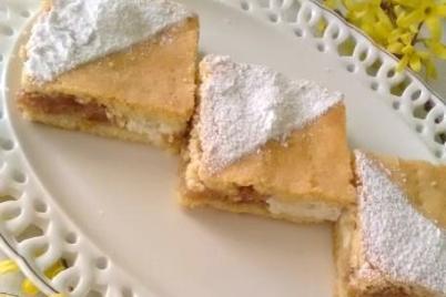 Jablkovo - tvarohový mriežkový koláč.  - recept
