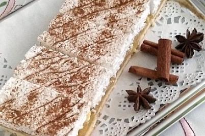 Jablkový koláčik s pudingom.  - recept