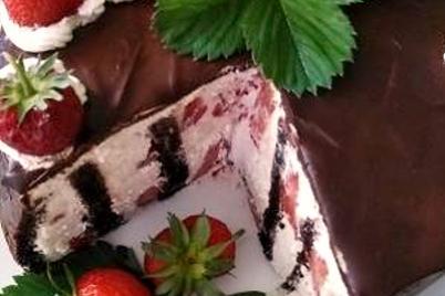 Jahodová torta s pribináčkovým a mascarpone krémom - recept