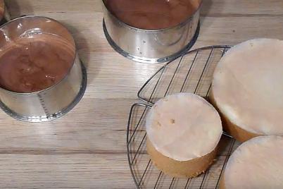 Ako pripraviť ovocnú tortu, 1.časť : vanilkový a kakaový korpus - foto postup
