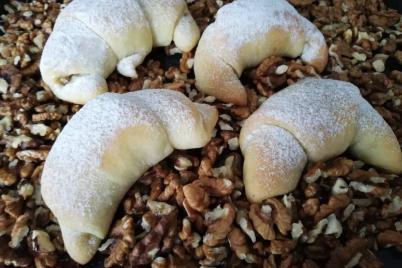 Orechové rožky z kvásku - recept