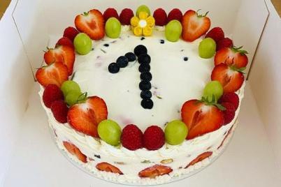 Nepečená smotanová torta s ovocím - recept