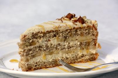 Orechovo - karamelová torta s banánmi - recept