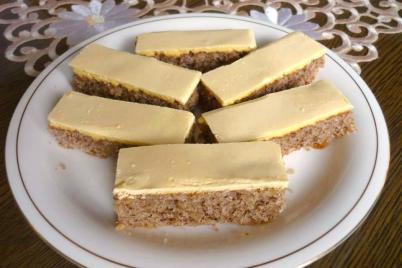 Orechovo žĺtkové rezy - recept