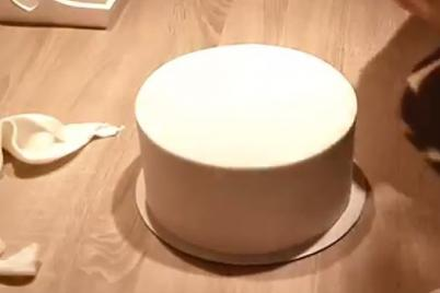 Ostré hrany na torte - foto postup