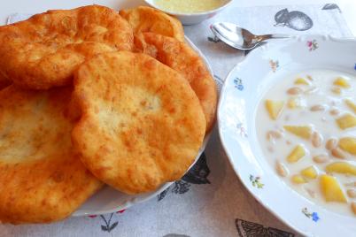 Video: Recept na langoše zo zemiakového cesta - foto postup