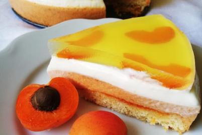 Smotanová torta s marhuľami - recept