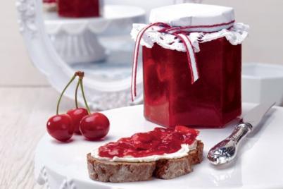 Višňový džem so slivovicou na zlepšenie nálady - recept
